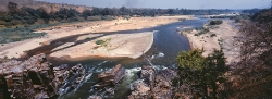 101A_LZmE_0409 09.36 Chipinda Gate, Lunsemfwa River