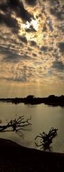 214_LZmE_418V Luangwa Wafwa & Clouds