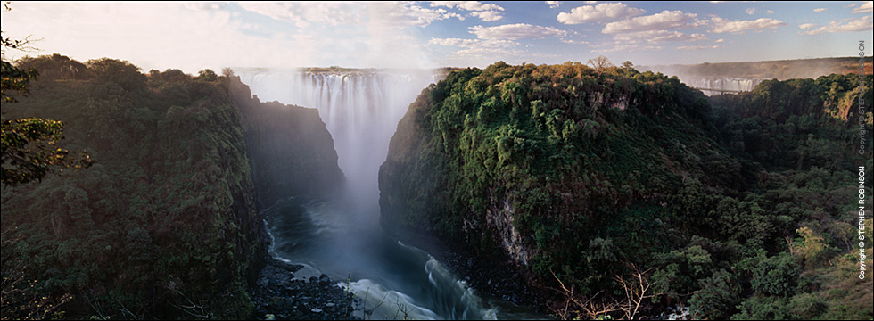 256A_LZmS_779 Victoria Falls from above Gorge