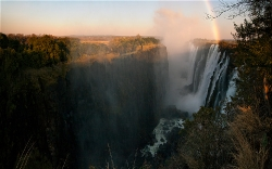 235A_LZmS_320507 Dawn Rainbow, Victoria Falls at Low Water