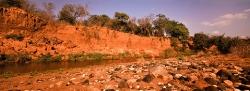 043_LZmE_86 Red Cliffs, Chongwe River, Lower Zambezi