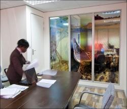 829_Corporate Offices Decor-Glass Panel prints_LR700