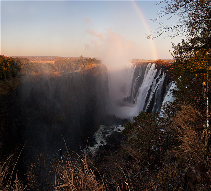 236A_LZmS_319599 Dawn Rainbow, Victoria Falls at Low Water